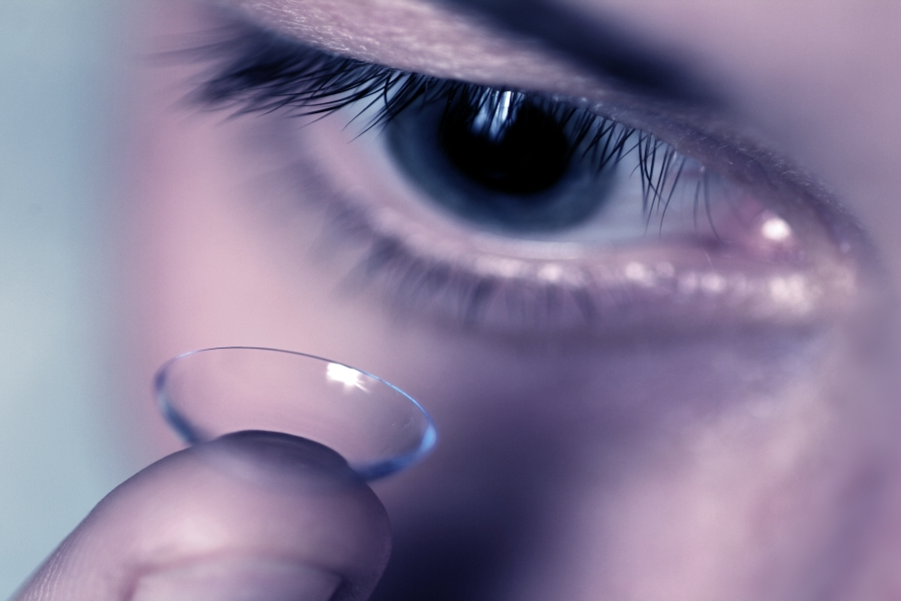 contact-lens-fitting.png